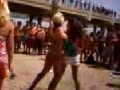 Bikini Girls Fight am Strand