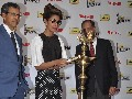 Priyanka Chopra unviels the Filmfare 3D trophy - Bollywood A