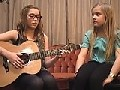 /9526acde45-lennon-und-maisy-covern-einen-song-wonderfull